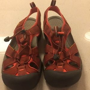 Never worn Keen water shoes